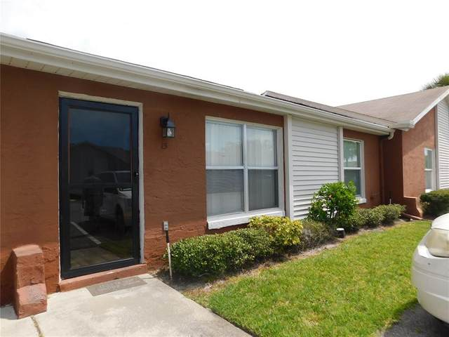 15 W Country Cove Way, Kissimmee, FL 34743 (MLS #T3305405) :: Your Florida House Team