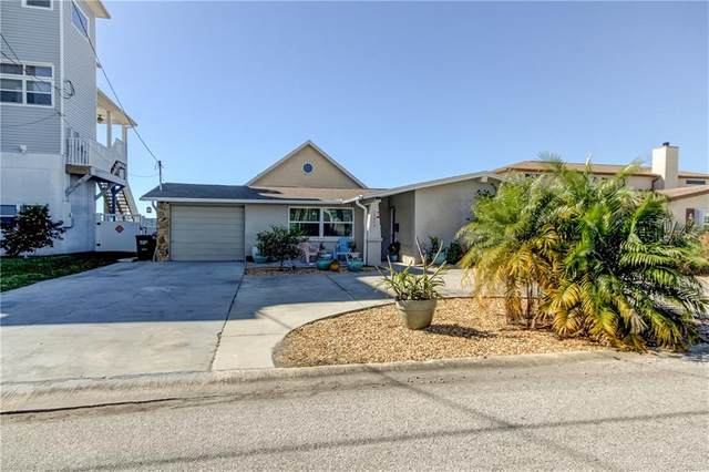 12813 5TH Isle, Hudson, FL 34667 (MLS #U8111679) :: Prestige Home Realty