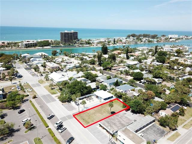 76TH Avenue, St Pete Beach, FL 33706 (MLS #U8119291) :: RE/MAX Local Expert