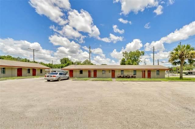 1340 N Woodland Boulevard, Deland, FL 32720 (MLS #V4919835) :: The Duncan Duo Team