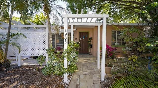 1903 Oak Street, Sarasota, FL 34236 (MLS #A4499540) :: Keller Williams Realty Select