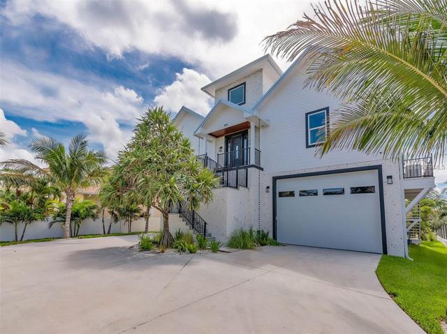 805 Harbor Drive, Belleair Beach, FL 33786 (MLS #U7852137) :: Mark and Joni Coulter | Better Homes and Gardens