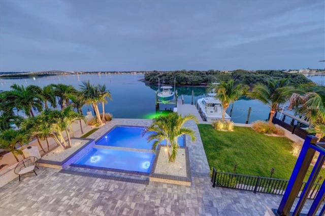 805 Harbor Drive, Belleair Beach, FL 33786 (MLS #U7852137) :: The Duncan Duo Team
