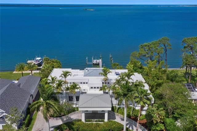 1746 Santa Barbara Drive, Dunedin, FL 34698 (MLS #U8118745) :: Rabell Realty Group