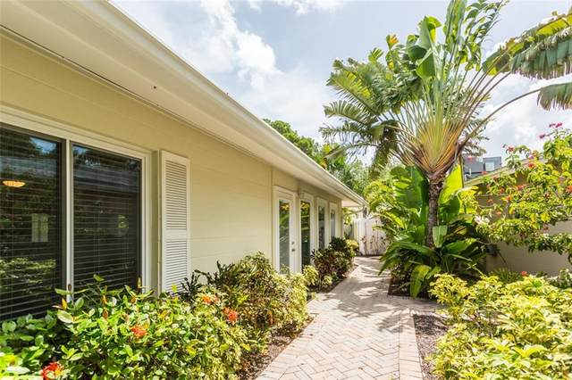 1393 Moonmist Drive G3, Sarasota, FL 34242 (MLS #A4471305) :: Alpha Equity Team