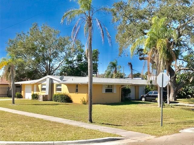 6022 Denham Drive, Sarasota, FL 34231 (MLS #A4206917) :: The Lockhart Team
