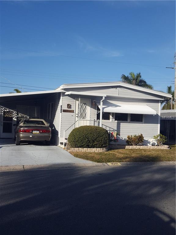 1011 49TH AVENUE Drive W, Bradenton, FL 34207 (MLS #A4208418) :: The Duncan Duo Team