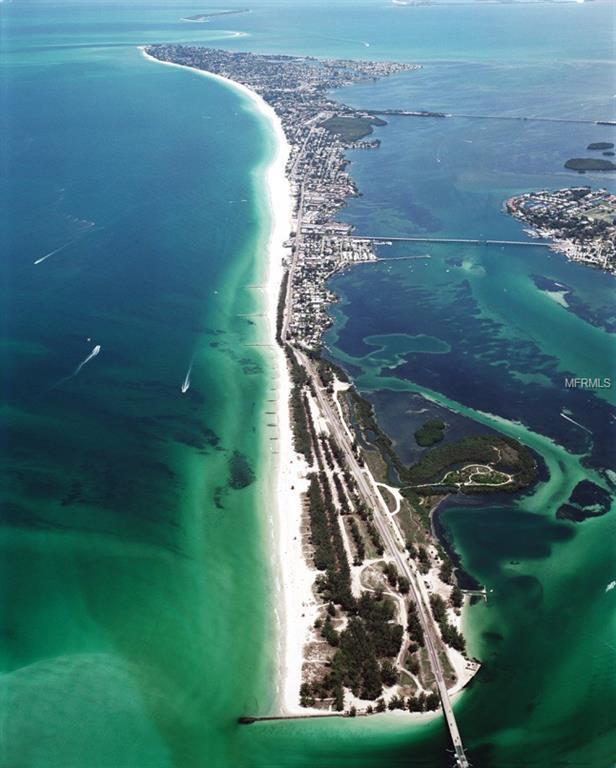 201 73RD Street, Holmes Beach, FL 34217 (MLS #A4211495) :: The Fowkes Group