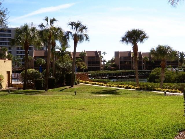 1400 Cove Ii Place #612, Sarasota, FL 34242 (MLS #A4215037) :: The Duncan Duo Team