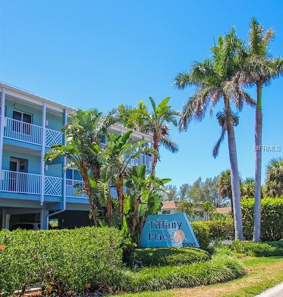 7000 Gulf Drive #103, Holmes Beach, FL 34217 (MLS #A4401486) :: The Duncan Duo Team