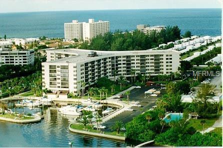 5855 Midnight Pass Road #519, Sarasota, FL 34242 (MLS #A4404334) :: Lovitch Realty Group, LLC