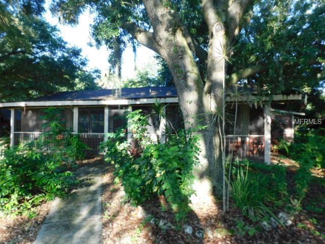 1620 27TH Street E, Bradenton, FL 34208 (MLS #A4408333) :: Lovitch Realty Group, LLC