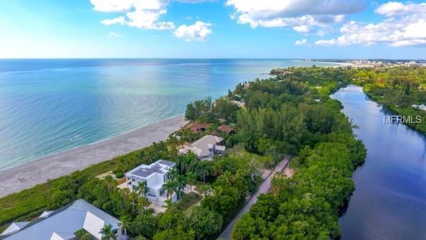 7940 Sanderling Road, Sarasota, FL 34242 (MLS #A4416141) :: Delgado Home Team at Keller Williams