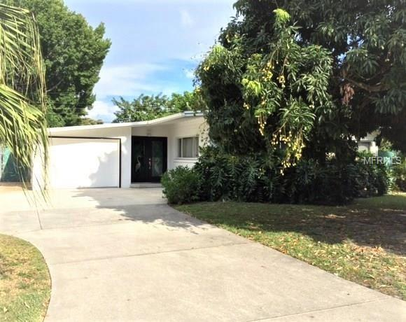 2236 School Circle, Sarasota, FL 34239 (MLS #A4417966) :: Medway Realty
