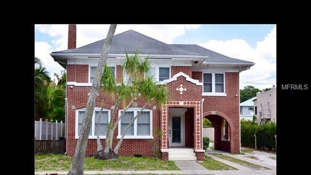 1319 S Orange Avenue A, Sarasota, FL 34239 (MLS #A4427772) :: NewHomePrograms.com LLC