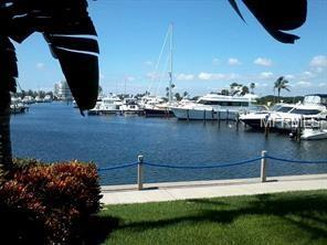 2600 Harbourside Drive C-18, Longboat Key, FL 34228 (MLS #A4430948) :: Sarasota Home Specialists