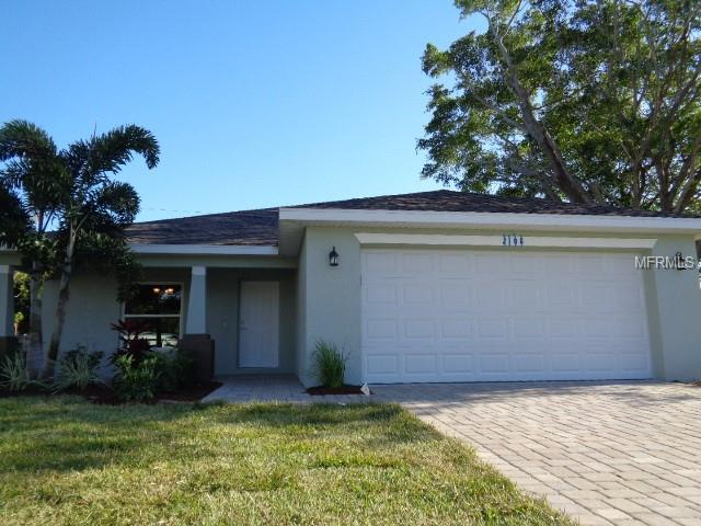 2108 Hopkins Drive W, Bradenton, FL 34207 (MLS #A4431178) :: EXIT King Realty