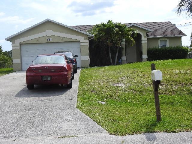 127 SW Ladybug Drive, Port Saint Lucie, FL 34953 (MLS #A4436410) :: The Brenda Wade Team