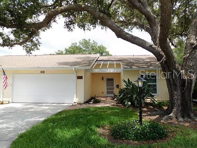 3999 Oakhurst Boulevard #3090, Sarasota, FL 34233 (MLS #A4438300) :: The Duncan Duo Team