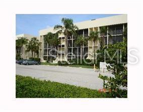 6120 43RD Street W 303B, Bradenton, FL 34210 (MLS #A4439188) :: Griffin Group