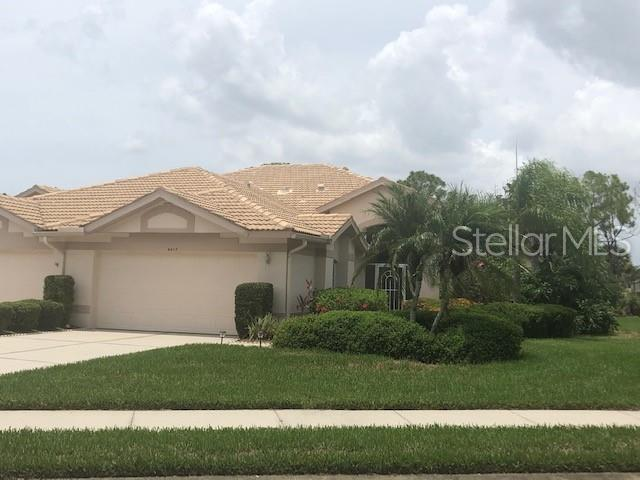 9417 Forest Hills Circle, Sarasota, FL 34238 (MLS #A4439427) :: The Comerford Group