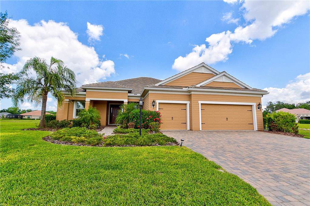 1068 River Wind Circle Bradenton Fl 34212 Mls A4455874 Better Homes Gardens Real Estate Thomas Group