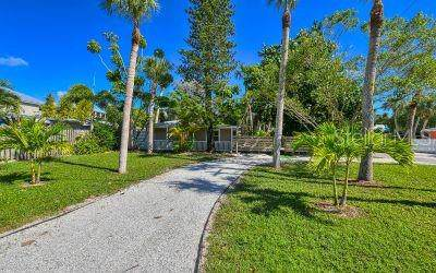 605 Calle De Peru, Sarasota, FL 34242 (MLS #A4456718) :: Zarghami Group