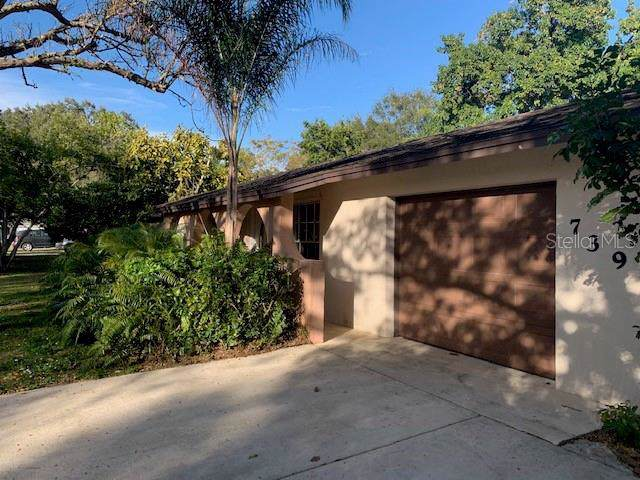 739 Wood Lane, Sarasota, FL 34237 (MLS #A4457770) :: The Figueroa Team