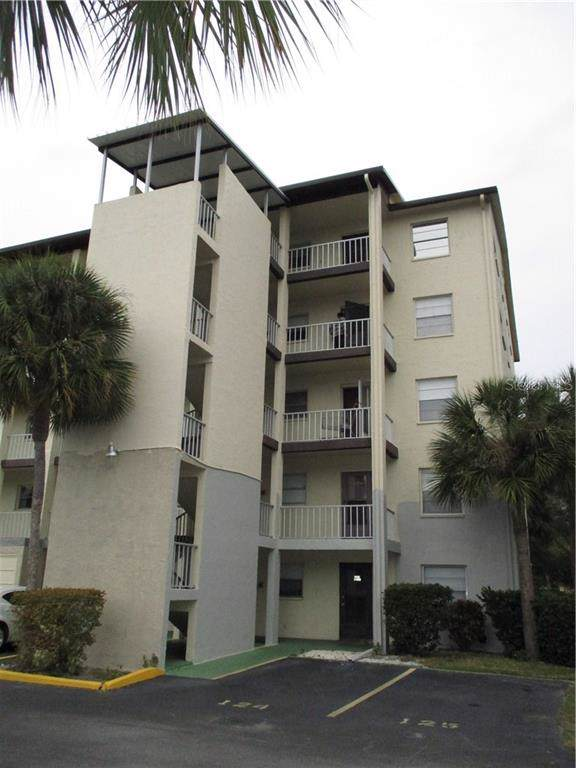 3136 Lake Bayshore Drive #225, Bradenton, FL 34205 (MLS #A4458237) :: The Figueroa Team
