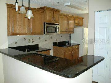 4036 Crockers Lake Boulevard #17, Sarasota, FL 34238 (MLS #A4459328) :: The Figueroa Team