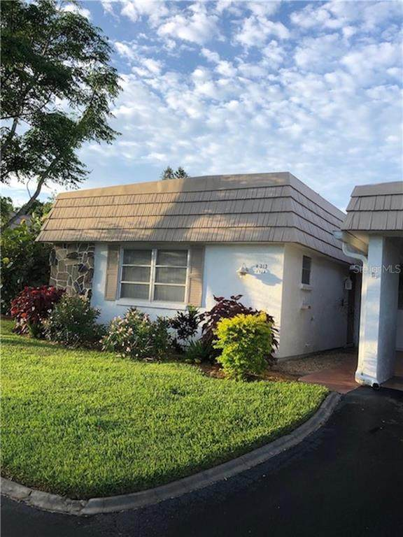 2328 Waterbluff Place V-313, Sarasota, FL 34231 (MLS #A4467303) :: The Duncan Duo Team