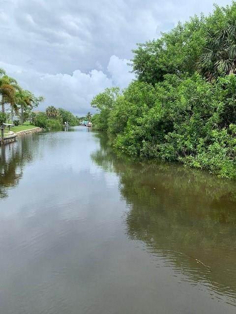748 Bonita Court, Punta Gorda, FL 33950 (MLS #A4470267) :: Heckler Realty