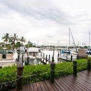 141 Holly Avenue, Sarasota, FL 34243 (MLS #A4476023) :: Alpha Equity Team