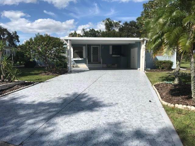8524 Countess Avenue Circle, Palmetto, FL 34221 (MLS #A4478653) :: Carmena and Associates Realty Group