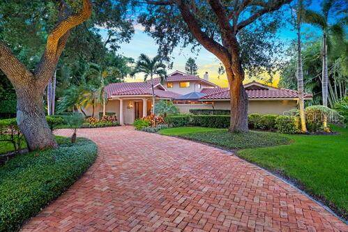 1336 Harbor Drive, Sarasota, FL 34239 (MLS #A4479030) :: Bustamante Real Estate
