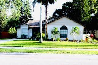 5842 Deer Hollow Lane E, Sarasota, FL 34232 (MLS #A4479295) :: Premier Home Experts