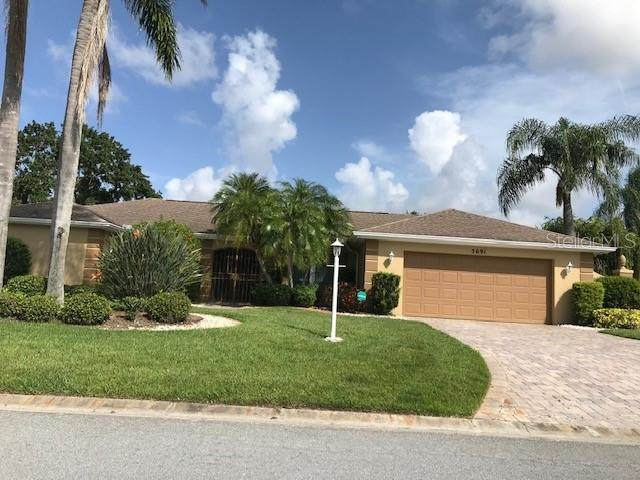 5691 Country Lakes Drive, Sarasota, FL 34243 (MLS #A4481324) :: New Home Partners