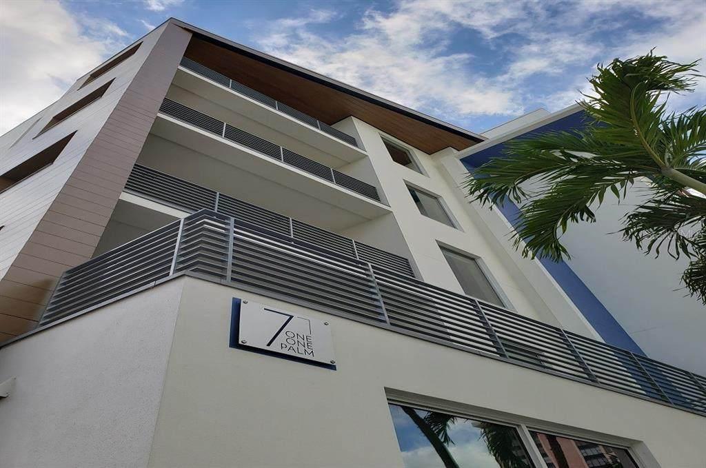 711 Palm Avenue - Photo 1