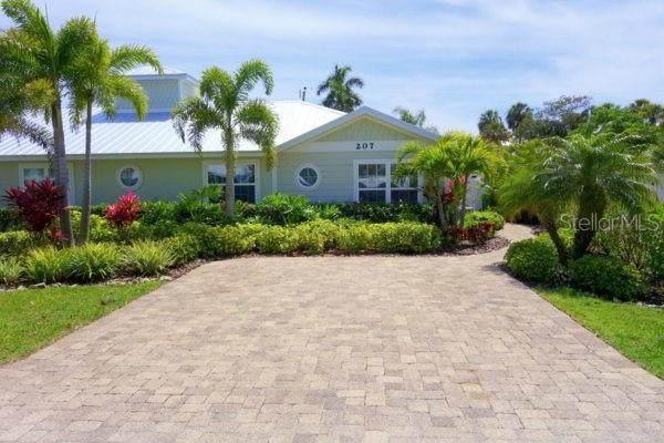 207 55TH Street A, Holmes Beach, FL 34217 (MLS #A4488984) :: Everlane Realty