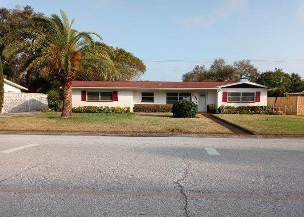 5218 7TH AVENUE Drive W, Bradenton, FL 34209 (MLS #A4492870) :: Burwell Real Estate