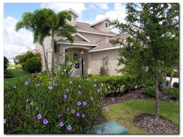 15330 Searobbin Drive, Lakewood Rch, FL 34202 (MLS #A4497592) :: Team Turner