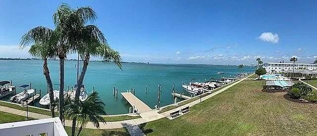 763 John Ringling Boulevard 31BERK, Sarasota, FL 34236 (MLS #A4497722) :: Gate Arty & the Group - Keller Williams Realty Smart
