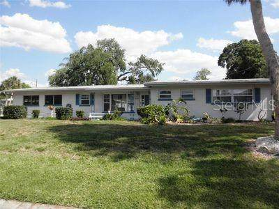 2130 Michele Drive, Sarasota, FL 34231 (MLS #A4499160) :: Pepine Realty