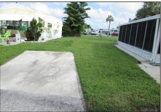 32 Montego Drive, Palmetto, FL 34221 (MLS #A4499552) :: The Paxton Group