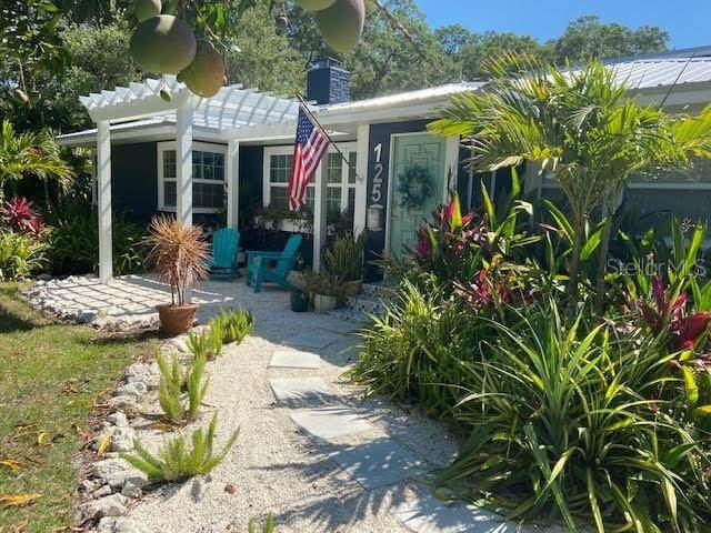 125 29TH Street W, Bradenton, FL 34205 (MLS #A4500431) :: Kelli and Audrey at RE/MAX Tropical Sands