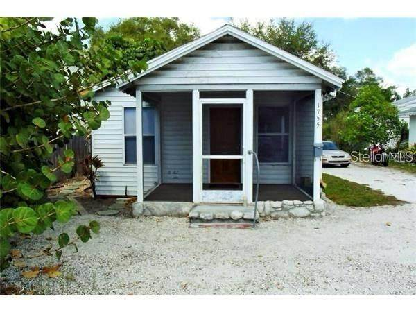 1755 Siesta Drive, Sarasota, FL 34239 (MLS #A4500563) :: The Paxton Group
