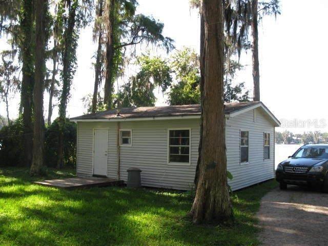 1367 Chesapeake Drive, Odessa, FL 33556 (MLS #A4500714) :: The Duncan Duo Team