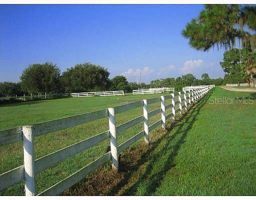 2400 Lorraine Road, Sarasota, FL 34240 (MLS #A4504193) :: Rabell Realty Group