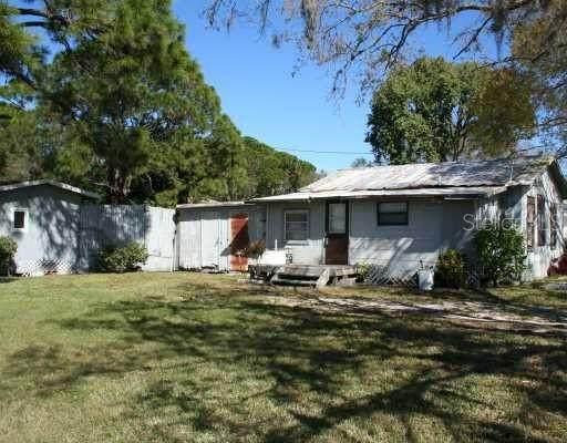 2395 19TH Street, Sarasota, FL 34234 (MLS #A4504569) :: Realty Executives