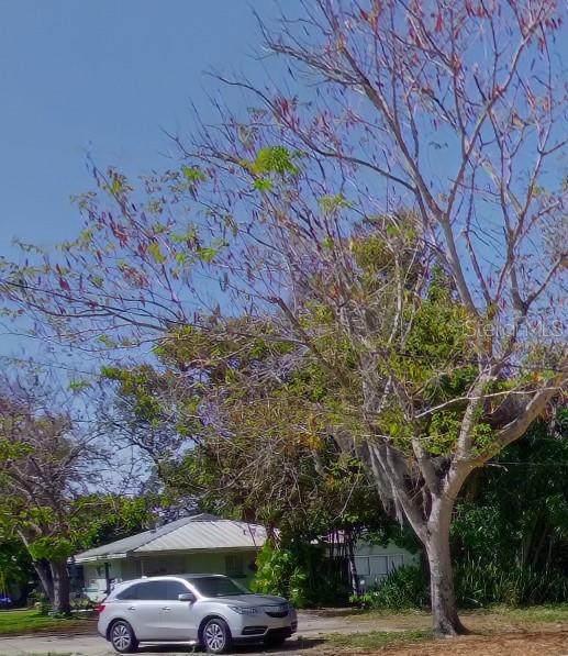 1745 10TH Street, Sarasota, FL 34236 (MLS #A4504661) :: Your Florida House Team